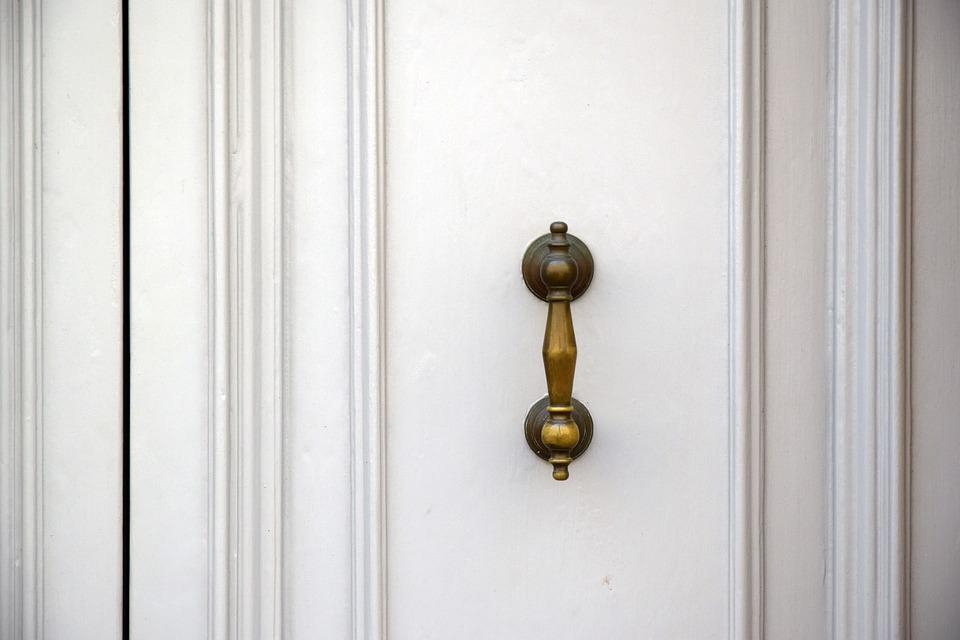 biele dvere