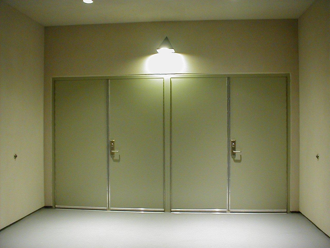 dvoje dvere