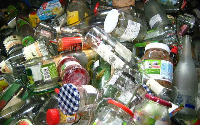 Recyklovaný sklenený odpad.jpg