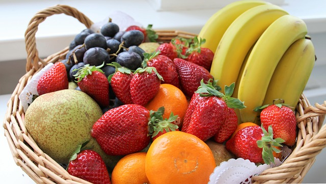 košík s ovocem.jpg