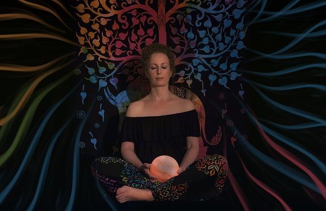 žena medituje.jpg