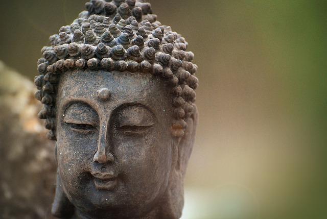 budhistická soška.jpg