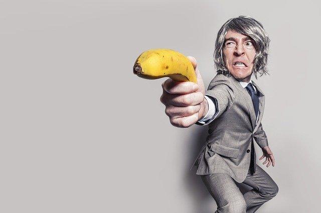 muž s banánom.jpg