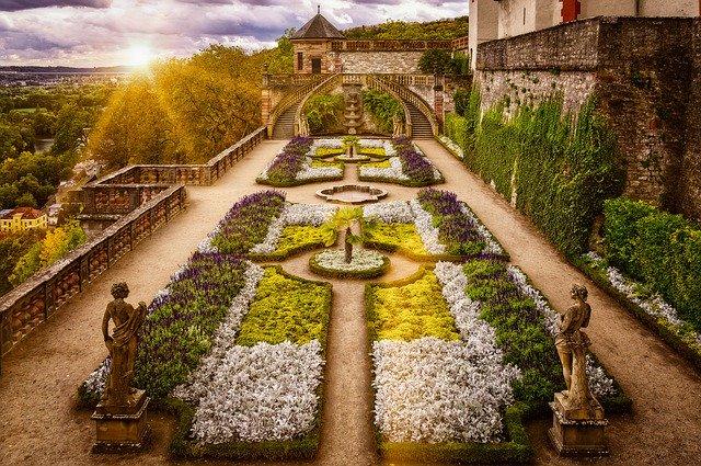 zahrada v baroku.jpg