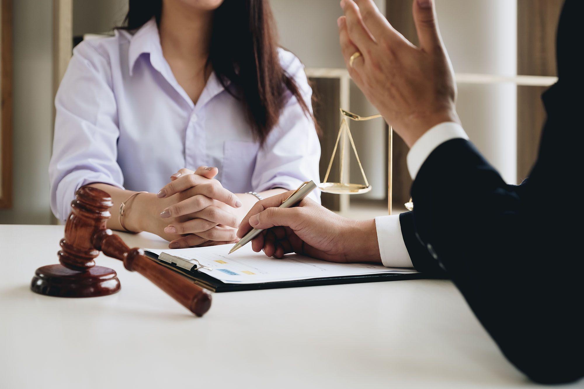 lawyer-bad-work-stairwell-hooku